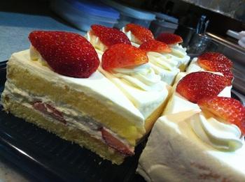 イチゴのショートケーキアップ.jpg